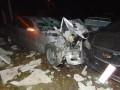 В Ровно иномарка повредила 25 автомобилей, пробив бетонный забор