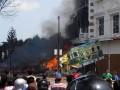 В Индонезии военный самолет упал на жилой квартал и отель: 30 погибших