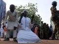 В Нигерии боевики напали на колледж и захватили сотни заложников