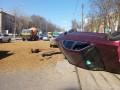 Взрыв в Одессе: автомобиль выкинуло на трамвайные пути