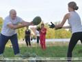 После встречи с Болтоном Лукашенко собирал арбузы с девушками