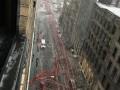 В центре Нью-Йорка обрушился огромный строительный кран