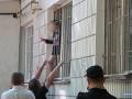 В Сумах женщина взяла в заложники ребенка: угрожала отрезать голову