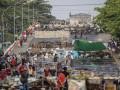 В Мьянме отключили интернет и запретили продажу прессы