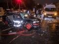 В Киеве на большой скорости столкнулись два авто