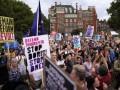 Британцы требуют отменить приостановку работы парламента