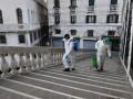 Итальянка находилась в карантине с телом умершего мужа