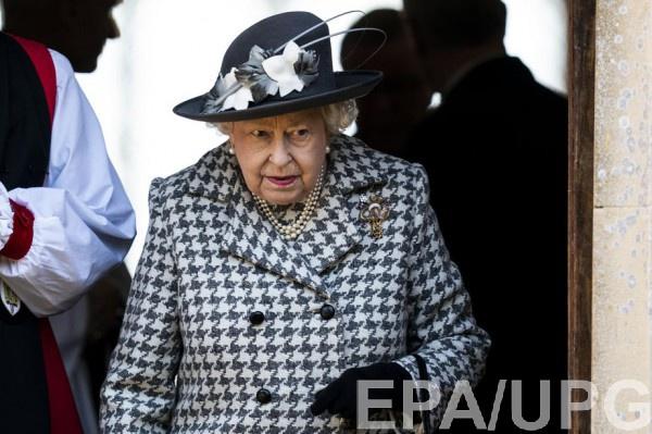 Елизавета II недовольна семьей