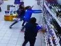 Самое печальное ВИДЕО в интернете: В магазине рухнула витрина с алкоголем