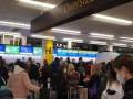 Из Лондона вернулось более 350 украинцев – МИД