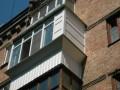 В Киеве пара выпала с четвертого этажа, когда занималась сексом - СМИ