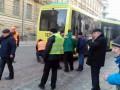Во Львове сошел с рельсов самый длинный трамвай