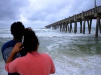 В Мексике эвакуированы тысячи человек из-за приближающегося урагана