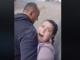 В Киеве таксист 10 минут душил и таскал за волосы женщину