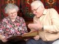 Работа пенсионерам: Где искать и сколько платят