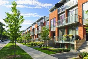 Плюсы и минусы квартир или загородных домов: Сравнение