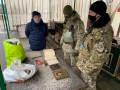 На оккупированную Луганщину незаконно везли старинные иконы и книги