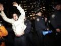 В Нью-Йорке начались протесты из-за отказа привлечь к суду полицейского