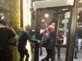Массовая драка в пиццерии Киева: Авто протаранило вход