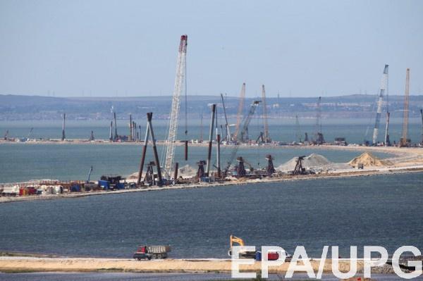 Токсичные отходы возле Керчи попадают прямо в море