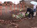 Волонтеры нашли тела 18 силовиков в районе Саур-Могилы