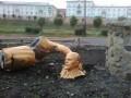 Пьяный россиянин сломал памятник Ленину, пытаясь сделать селфи