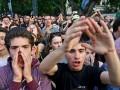 В Тбилиси к парламенту стягивают спецназ: задерживают оппозиционеров