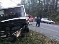 Во Львовской области авто столкнулось с автобусом