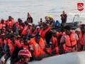 Италия вновь не пускает судно с беженцами в свои воды