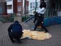 В Киеве дочь выбросила труп матери на улицу