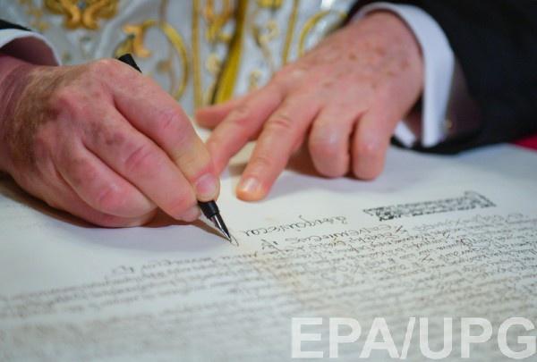 УПЦ МП надеются, что с новым президентом Томос можно будет отменить, считают в Кабмине