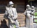 Украинцы из Польши перевели на родину почти миллиард евро
