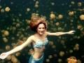 Девушка-русалка задерживает дыхание под водой на 5 минут (ФОТО)