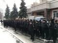 Под Шевченковским судом протестовали спецназовцы