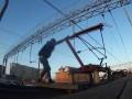 В Житомире подростка ударило током во время селфи на крыше электрички