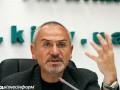 Шустер объявил голодовку до возобновления разрешения на работу