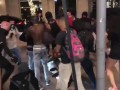В США толпа избила владельца магазина. 18+