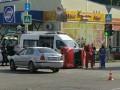 Показано фото, как в Запорожье после ДТП перевернулась малолитражка
