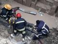 В Луцке мужчина упал в глубокий котлован, вырытый коммунальщиками