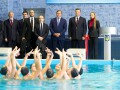 Янукович и дети. Президент и два министра открыли бассейн в Харькове (ФОТО)