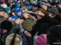В России устроили давку за бесплатные сувениры от Жириновского