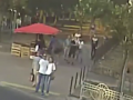 Ограбление женщины на Березняках в Киеве сняли на видео