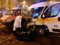 В центре Запорожья грузовик въехал в скорую с пациентом