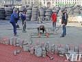 В Киеве на Грушевского кладут новую брусчатку