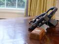 У Трампа на столе встроена кнопка для заказа колы – СМИ