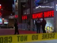 В Нью-Йорке мужчина с молотком напал на ресторан, есть жертвы