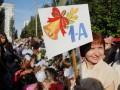 Азаров намерен заставить выпускников педвузов обязательно работать в школах