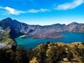 В Индонезии более 500 альпинистов заблокированы на горе после землетрясения