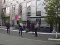 В Киеве неизвестные избивают пьяных людей