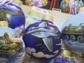 В РФ предлагают наряжать елки шарами с изображением танков